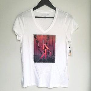 NWT Calvin Klein v neck short sleeve t shirt S